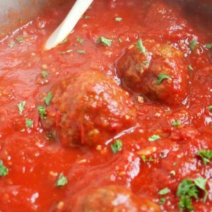 traditional Italian meatballs sauce recipe